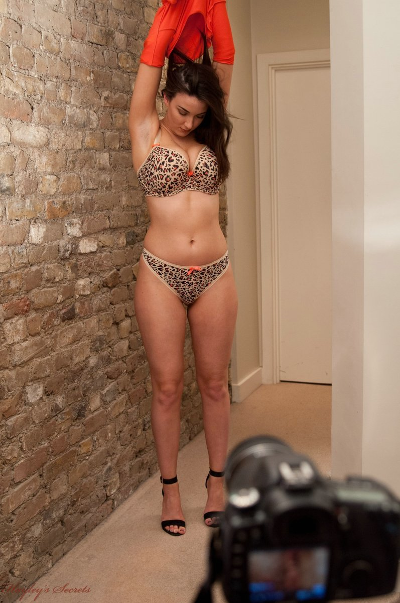 Big boobed brunette Sheridan Love rides a cock before moving onto oral sex  1534307
