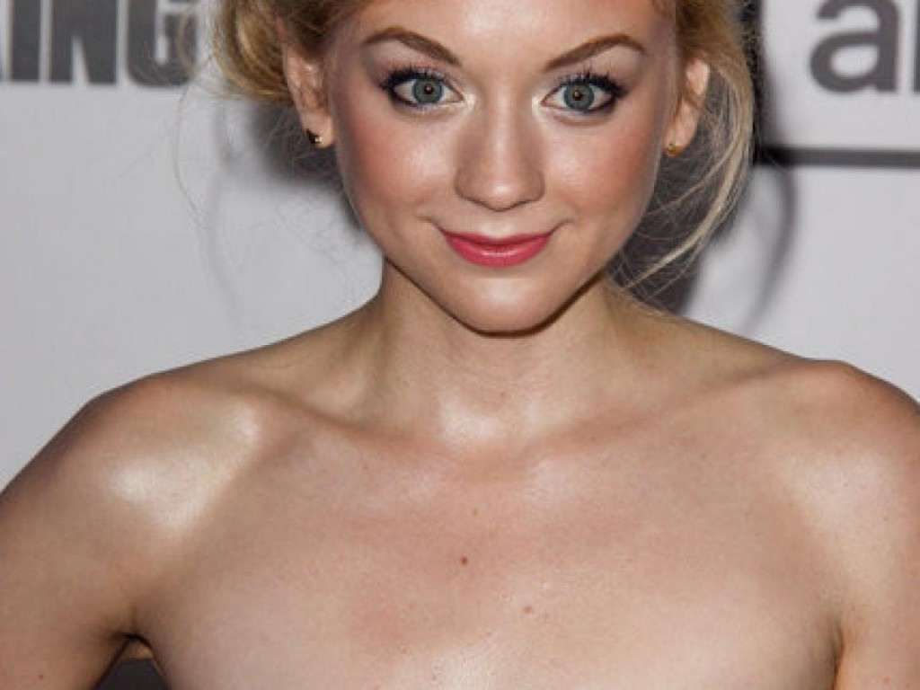 Vídeo Censurado De Emily Kinney Desnuda The Walking De En Taringa