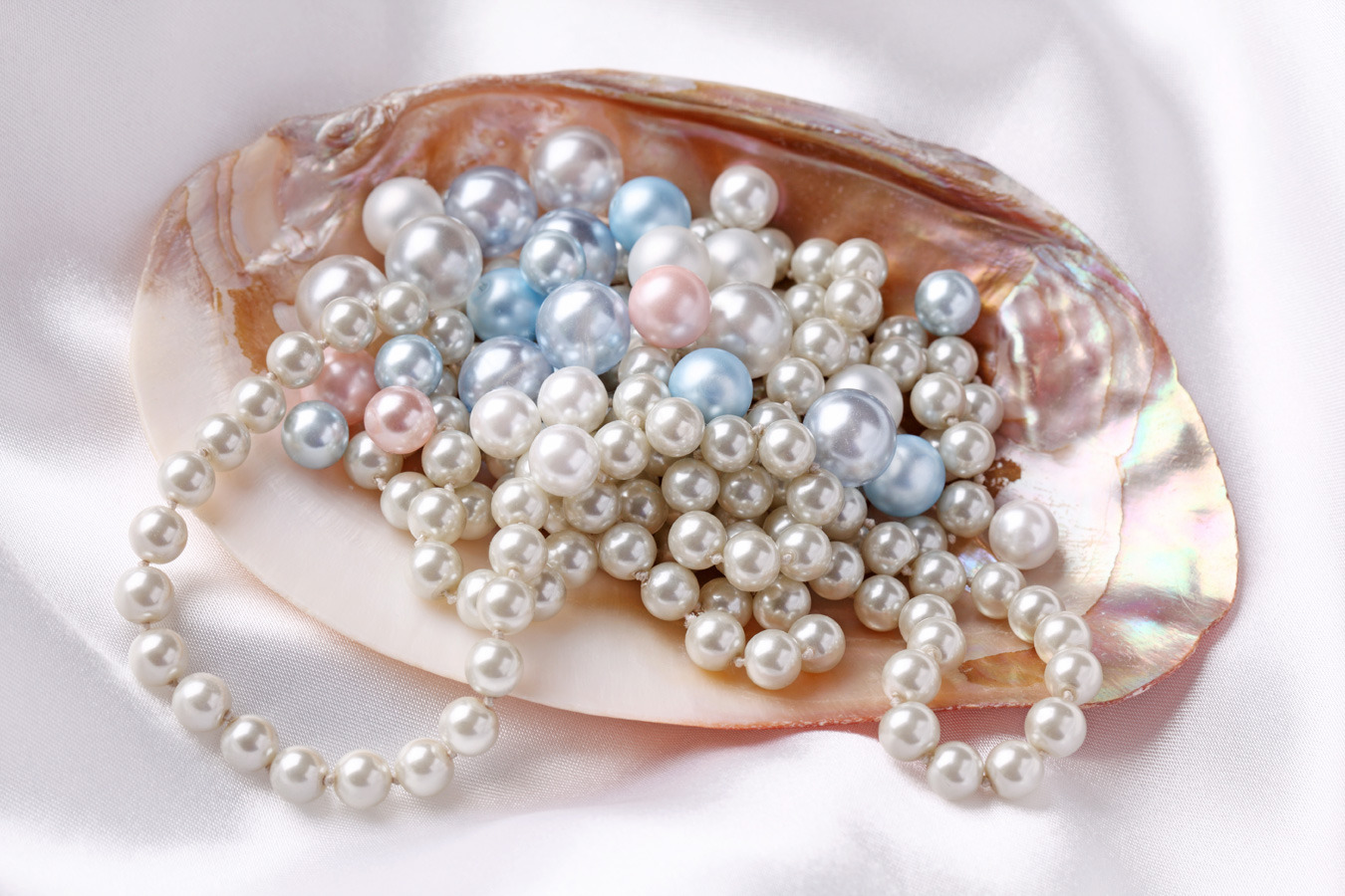 Why You Should Wear Pearl Jewe...